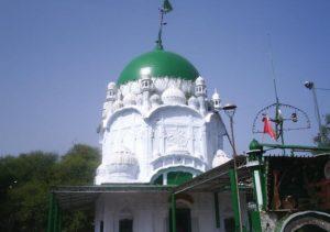 Gujrat-shrine-of-Kanwaawali-Sarkar