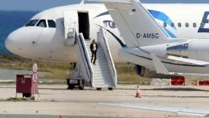 hijacker-stairs